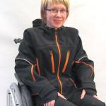 Sumu-softshell-takki pyörätuolikäyttöön